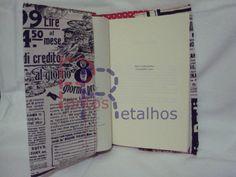 Capa para livro, que se adapta a vários tamanhos de livros.