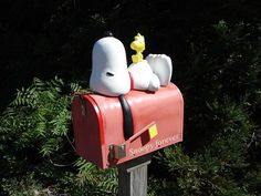 Snoopy mail box!
