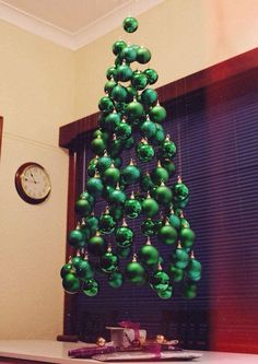 Alternative Christmas Tree Ideas for 2019 - DIY Christmas Tree Ideas Creative Christmas Trees, Diy Christmas Tree, Christmas Projects, All Things Christmas, Winter Christmas, Christmas Holidays, Christmas Ornaments, Red Ornaments, Outdoor Christmas