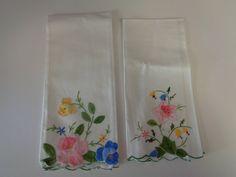 2 Vintage Hand Appliqued Linen- hand-Finger  Guest towel- Tea Towels by lillysdollclothes on Etsy