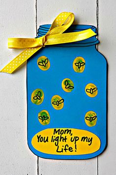 44 Cute Mother's Day Crafts for Kids - Preschool Mothers Day Craft Ideas cricut fathers day, first time fathers day gift, fathers day crafts for kids to make Mothers Day Crafts Preschool, Easy Mother's Day Crafts, Daycare Crafts, Fathers Day Crafts, Crafts To Make, Kids Crafts, Arts And Crafts, Easy Mothers Day Crafts For Toddlers, Grandparents Day Crafts