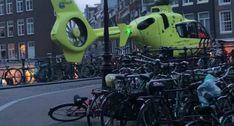 Helicóptero Realiza Aterragem Impressionante No Centro De Amesterdão