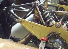 An Active suspension idea. Auto Design, Automotive Design, Active Suspension, Racing Car Design, Karts, Reverse Trike, Metal Fab, Suspension Design, Car Goals
