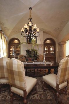 old world dining room...keeper for ceiling ideas...cherie