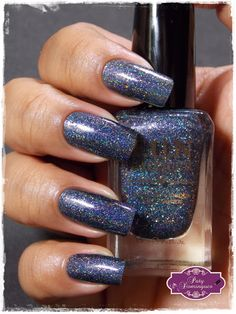 Esmaltadas da Paty Domingues: Fashion Show - F.U.N Lacquer carimbado com DRK Magic Garden