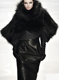If you want to buy or collect vintage costume jewelry, learn what to look for and where to look. Fur Fashion, Leather Fashion, Fashion Models, Winter Fashion, Womens Fashion, Fashion Photo, High Fashion, Fabulous Furs, Next Clothes