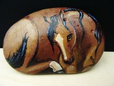 Horse Painted Rock via Etsy.  This is so pretty. I love it!! Wish I could paint.