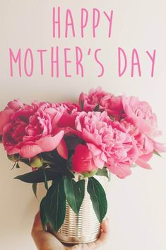 Mother's Day Flower Images. Beautiful bouquet of flowers for mom. Happy Mothers Day Pictures, Happy Mothers Day Wishes, Mothers Day 2018, Happy Mother Day Quotes, Mothers Day Special, Mothers Day Presents, Love Rose Flower, Flowers For Mom, Mothers Day Flowers