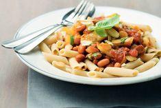 Kijk wat een lekker recept ik heb gevonden op Allerhande! Bonenschotel met pasta en amandelen