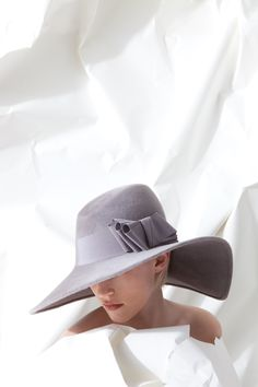 OC 967 | Philip Treacy London