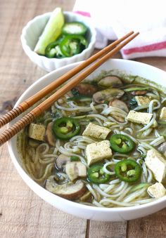 Vegetarian Thai Green Curry Noodle Soup recipe by SeasonWithSpice.com @seasonwithspice
