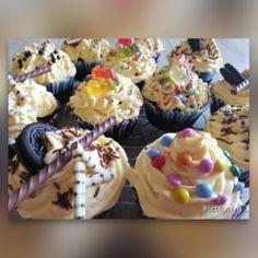 Csokis-Fahéjas Muffin | Betty hobbi konyhája Muffin, Mini Cupcakes, Hobbit, Food, Essen, Muffins, Meals, The Hobbit, Cupcakes