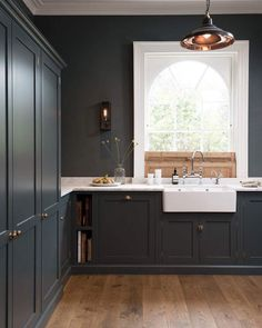 Kitchens with matching walls and cabinets create such an atmospheric space. Would you have this in your kitchen? #deVOLKitchens