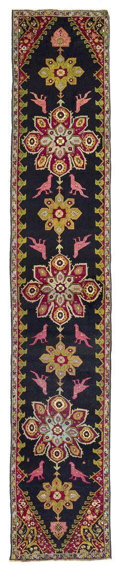 Karabagh    Ende 19. Jahrhundert  495 x 106 cm  I Teppiche und Textilien Max Lerch