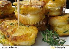 Rychlé hermelínové jednohubky recept - TopRecepty.cz Baked Potato, Potatoes, Baking, Ethnic Recipes, Food, Potato, Bakken, Essen, Meals
