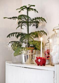 kuva Winter Christmas, Christmas Time, Xmas, Christmas Things, Christmas Ideas, Advent, Vintage Stil, Scandinavian Christmas, Planter Pots
