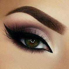 20 Heißesten Smokey Augen Make Up Ideen Las 20 mejores ideas de maquillaje Smokey Eye - Smokey Eye Make Up # Eye Makeup Tips, Makeup Goals, Eyeshadow Makeup, Makeup Ideas, Makeup Tutorials, Makeup Brushes, Makeup Style, Makeup Geek, Makeup Hacks
