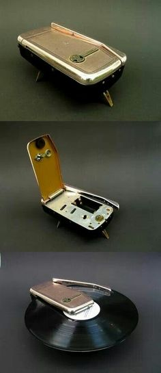 Wondergram, the world's smallest record player