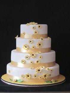 Daisies wedding cake