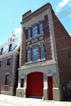 EMS15 FDNY EMS Battalion 15 Station House, Williamsbridge, Bronx, New York City by jag9889, via Flickr shared by NYC Firestore