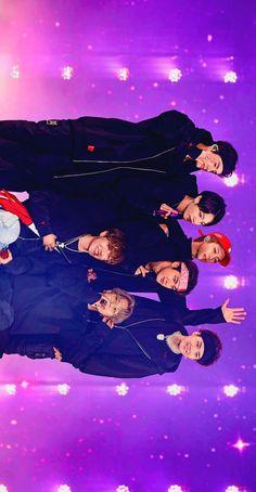 Bts make tour around world 😊 Bts Jungkook, Namjoon, Taehyung, Bts Group Picture, Bts Group Photos, Vkook Memes, Bts Memes, Foto Bts, Kpop