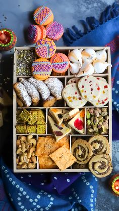 Cookie Box, Cookie Gifts, Food Gifts, Diwali Food, Diwali Party, Indian Dessert Recipes, Indian Sweets, Sweets Recipes, Easy Desserts