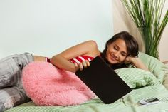 Tablets a TV friend: 85 percent of tablet owners use the device while watching shows