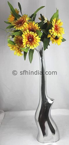 Aluminium Vase.Unique design.Silver Shiny Finish.