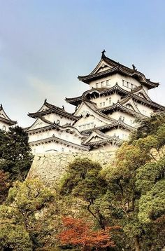 10 Most Beautiful Castles around the World - Himeji Castle, Japan