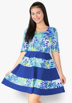 Stroll freely and confidently all day long wearing this print contrast dress. The style comes with a lot of fun, it'll bring out your happy self! Designer Party Dresses, Sunday Dress, Leaf Prints, Spandex Fabric, Are You Happy, Contrast, Bring It On, Fun, How To Wear