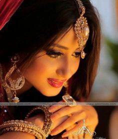 beauty queen Sajal Ali! #SajalAli