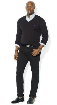 Are you a big and tall guy wondering what should be in your closet this spring? Let our resident plus size style guy, Marv Neal share his style picks with 7 Spring Style Essentials for The Big & Tall Man.   Here are items you need for spring per our style guy. Polo Ralph Lauren® V-Neck Sweater at DestinationXL.com  His Style: 7 Spring Style Essentials for The Big & Tall Man! http://thecurvyfashionista.com/2017/03/spring-essentials-big-tall-man/