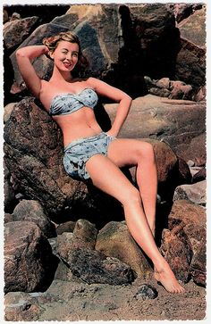 Pinup girl two-piece summertime prettiness. #vintage 1940s #1950s #summer #beach #pinup