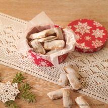Kekse selber backen - feine Rezepte für Weihnachtskekse - alle Einträge | Kochen… Camembert Cheese, Dairy, Bread, Austria, Food, Cooking Recipes, Gingerbread, Chocolate Candies, Backen