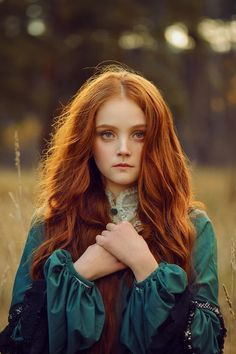 Burgundy Brown - 40 Red Hair Color Ideas – Bright and Light Red, Amber Waves, Ginger Hair Color - The Trending Hairstyle Fantasy Photography, Girl Photography, Bild Girls, Poses, Pretty People, Beautiful People, Look Kylie Jenner, Foto Fantasy, Female Character Inspiration