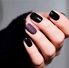 dark nails, winter nail designs in 2020 Black Gel Nails, Short Gel Nails, Dark Nails, Purple Nails, Black Manicure, Gradient Nails, Holographic Nails, Matte Nails, Stiletto Nails