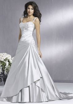 Google Image Result for http://www.designersweddinggowns.com/images/BALL-GOWN/167P/BALL-GOWN_bridal_gown_20100306_80-1.jpg