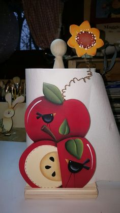 Apples Wooden Projects, Wooden Crafts, Metal Crafts, Craft Stick Crafts, Diy And Crafts, Wood Craft Patterns, Tole Painting Patterns, Apple Kitchen Decor, Apple Decorations