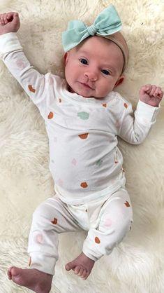 Cute Little Baby, Baby Kind, Cute Baby Girl, Cute Babies, Baby Girls, Cute Baby Pictures, Baby Photos, Family Photos, Cole And Savannah