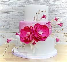 Wedding cake with fuchsia flowers How To Make Cake, Pillar Candles, Wedding Cakes, Candle Holders, Flowers, Wedding Gown Cakes, Cake Wedding, Porta Velas, Wedding Cake