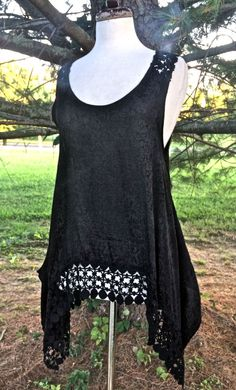 Free People One black rayon swing hi lo tunic dress thick lace bottom NWT S #FreePeopleOne #lacetrimswingtop #veratile