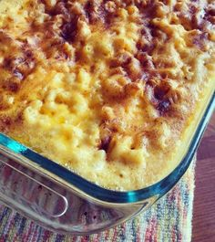 Trisha Yearwoods Macaroni and Cheese - This homemade macaroni and cheese is so good and only requires a few ingredients. I made it for our Thanksgiving feast and everyone loved it. I made it exactly as the recipe said and I wouldn't change a thing. Cheese Dishes, Food Dishes, Side Dishes, Pasta Dishes, Main Dishes, I Love Food, Good Food, Yummy Food, Delicious Dishes