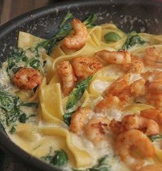 pasta with shrimps in cheese sauce - Owoce morza - Makaron Pork Recipes, Seafood Recipes, Wine Recipes, Pasta Recipes, Healthy Recipes, Kitchen Recipes, Cooking Recipes, Mediterranean Diet Recipes, Main Meals