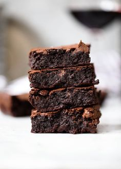Red Wine Brownies Exist (and They're Amazing) — Delicious Links