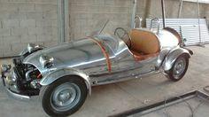 Retro Cars, Vintage Cars, Antique Cars, Electric Car, Bugatti, Race Cars, Building A House, Automobile, Cart