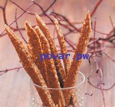 Конфеты «Ореховый грильяж»  Ингредиенты : 300 г арахиса  150 г сахара  150 г меда 2 ст. л. растительного масла  Приготовление:  1. Обжарить орехи на сухой сковороде до золотистого цвета. 2. Измельчить в блендере или вручную с помощью скалки. 3. Высыпать сахар на разогретую сухую сковороду, добавить мед. 4. Варить до полного растворения сахара. Масса должна приобрести карамельный оттенок. 5. Всыпать в карамель дробленые орехи. 6. Тщательно перемешать и слегка остудить. 7. Разделить на 2…