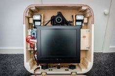 diy photobooth-- holy shiz, this is brilliant. includes instructions