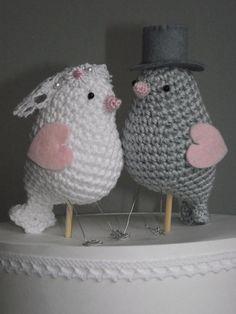 bruids-vogeltjes. Hier een link naar een Nederlands patroon van soortgelijke vogeltjes: http://veranadine.blogspot.nl/2012/11/vogeltje.html
