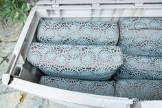 This is a great natural way to keep spiders (and other critters) out of your outdoor patio storage boxes without using pesticides or other harmful chemicals. It's so easy and works so well, I'm going to try it in my shed, too! Garden Cushion Storage, Garden Cushions, Patio Pillows, Outdoor Cushions, Outdoor Box, Outdoor Storage Boxes, Patio Storage, Outdoor Seating Areas, Patio Seating