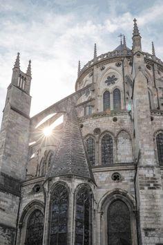 Coucher de soleil sur la cathédrale de Bourges #berryprovince